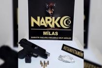 Milas'ta Yapılan Aramada Ruhsatsız Silah ve Uyuşturucu Ele Geçirildi