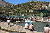 Datça'da Denize 50 Metre Mesafedeki Göl, Tatilcilerin ilgi Odağı