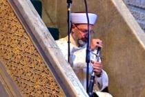 Diyanet İşleri Başkanı Ayasofya Camii'nde Kılıçla Hutbe Okudu