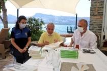 Gazeteci-Yazar Yavuz Donat Kitaplarını Muğla İl Emniyet Müdürlüğü'ne Bağışladı