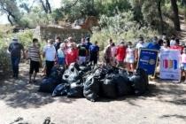 Fethiye'de 4 Saatte 2 Ton Çöp Toplandı