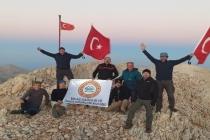 Milaslı Dağcılar 30 Ağustos'u 3 Bin 70 Metrede Kutladılar