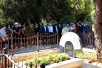 Oktay Akbal Mezarı Başında Anıldı