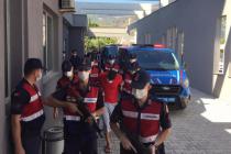 Sahilde Yürüyüş Yapan Kadını 3 Metrelik Çukura Sürükleyip Tecavüz Etti!