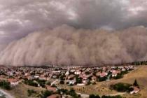Ankara'da Kum Fırtınası! O İlçe Karanlığa Büründü!