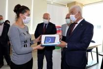 Muğla Büyükşehir Belediyesi 238 Öğrenciye Tablet Desteği Verdi