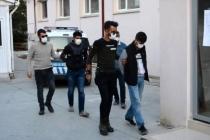 Datça'da Hırsızlık Yapan Zanlılar İzmir'deki Polisin Uygulamasında Yakalandı