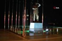 Marmaris'te Halk Kısıtlama Kurallarına Uyuyor