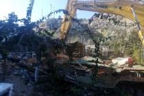 Marmaris'in Turistik Mahallelerinde Kaçak Yapıların Yıkımı Sürüyor
