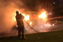 Milas'ta, Seyir Halindeki Minibüs Alev Aldı