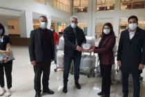 AK Parti'den Sağlık Çalışanlarına Meyve Paketi