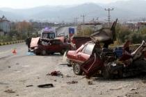 Seydikemer'de İki Otomobil Çarpıştı: 2 Ölü, 3 Yaralı