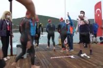 """Bodrum'da """"Man & Woman Challenge"""" Triatlon Yarışı Renkli Görüntülere Sahne Oldu"""