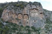 Dalyan'da, Kaunos Antik Kenti'ndeki Kaya Mezarları Yok Olma Tehlikesiyle Karşı Karşıya
