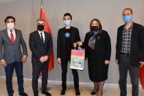 Uluslararası Bilim Fuarında Dünya Birincisi Olan Muğlalı Lise Öğrencisi Ödüllendirildi