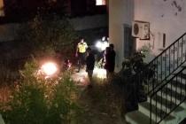 Bodrum'da Polisten Kaçan Motosikletli İstinat Duvarından Bir Sitenin Bahçesine Uçtu