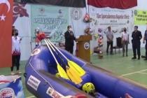 """Dalaman'da, """"Sporla Hayat Değişiyor"""" Projesi Kapsamında Okullara Spor Malzemesi Dağıtıldı"""