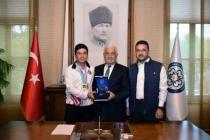 Muğla Büyükşehir Okçusu Emircan Haney Avrupa Şampiyonu Oldu
