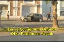 Bodrum'da Sinir Krizi Geçiren Vatandaş Kendi Arabasına Taşla Saldırıp, Muhabiri Darp Etti