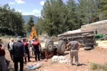 Menteşe'de Saman Yüklü Traktör Devrildi, Sürücüsü Altında Kaldı!