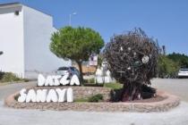 Datça'da Yapılan Sanayi Ağacı Heykelinin Eleştirilmesi, Sanayi Esnafını Üzdü