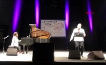 Anjelika Akbar ile Hakan Aysev Bodrum'da Konser Verdi