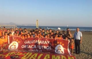 GALATASARAY ORTACA FUTBOL OKULU BAŞKAN ALİM UZUNDEMİR'E...
