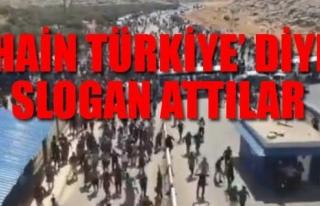 SURİYELİ MUHALİFLER TÜRKİYE SINIRINDA ASKERE...