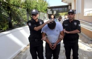 MAKET POLİS ARACININ TEPE LAMBASINI VE AKÜSÜNÜ...