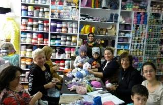 Yardımsever Anneler Kimsesiz Çocukları Sevindiriyor