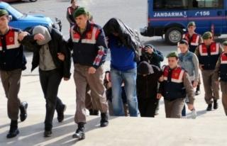 1'i Polis 3 Kişi Göçmen Kaçakçılığından...
