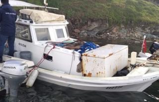 Milas'ta Fırtınada Denize Açılan Bir Balıkçı...