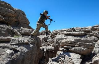 DİYARBAKIR'DA 3 PKK'LI TERÖRİST ETKİSİZ...