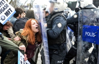 İstanbul Üniversitesi'nde Öğrenci Döven...