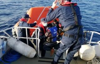 Datça Açıklarında Yardım İsteyen 31 Sığınmacı...