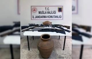 Muğla'da Jandarmadan Silah ve Tarihi Eser Operasyonu