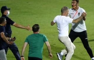 Aytemiz Alanyaspor-Trabzonspor Maçı Sonunda Protokolde...