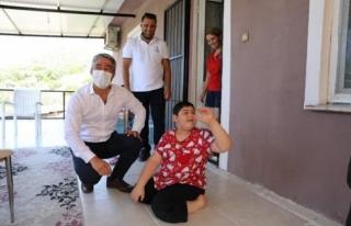 Başkan Oktay, 11 Yaşındaki Engelli Berat'ı...