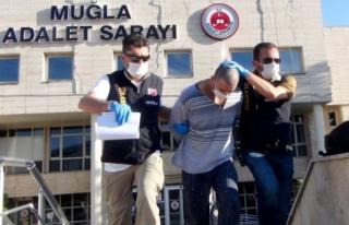 Muğla'da Bayram Sabahı Kız Arkadaşını Öldüren...