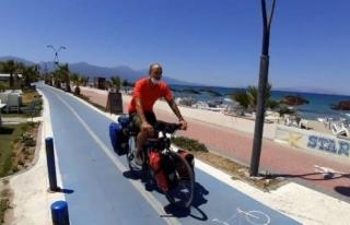 Bisikletiyle Dünya Turuna Çıkan İspanyol Gezgin,...