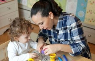 Çalışan Annelere Verilen Bakıcı Desteği 300...