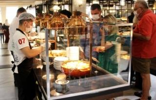 Koronavirüs Etkisiyle Otellerdeki Yiyecek İçecek...