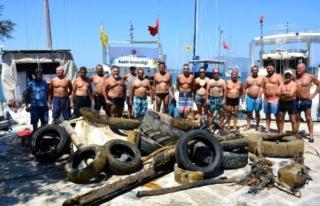 Kumluk Plajı'nda Denizden Çıkarılan Çöpler...