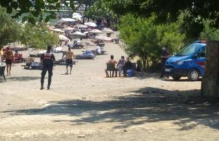 Sarsala Plajı'nda Jandarmanın Maske Denetimleri...