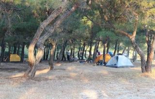 Datça'da, Tatilciler Çadır Kamplara Akın...