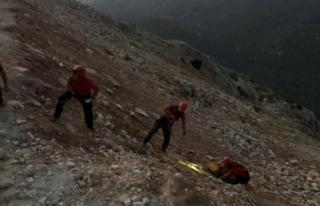 Fethiye'de, Kayalıklara Düşen İngiliz Pilotu...