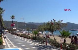 Marmaris'te Tatilciler Gündüz Plajları, Akşam...