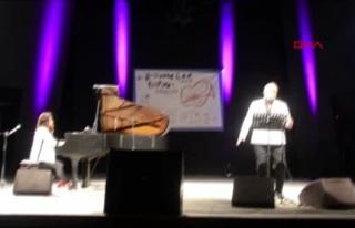 Anjelika Akbar ile Hakan Aysev Bodrum'da Konser...