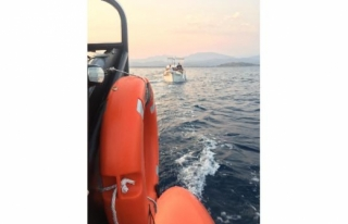 Fethiye'de Sürüklenen Teknedeki 5 Kişi Kurtarıldı