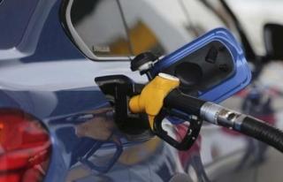 Araç Sahiplerine Müjde: Benzine 32 Kuruş İndirim...